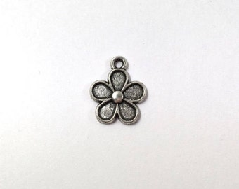 10 Silver Flower Charms 1-Sided Flowers 0113R