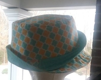 Springy lattice fabric bucket hat w/ matching bag set