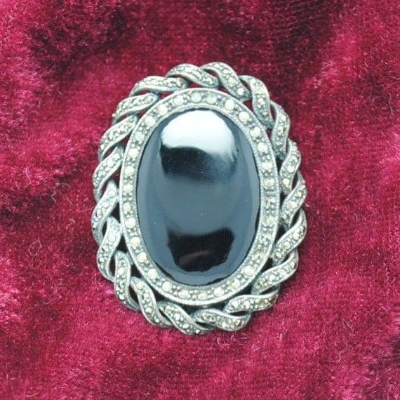 Vintage brooch - silver brooch - onyx and marcasite brooch - woman brooch - oval brooch