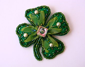 Lucky Four-Leaf Clover Brooch Beaded Shamrock Pin Saint Patrick's Day Gift Green Felt Pin Faith Hope luck Love Leaf Brooch Original Design