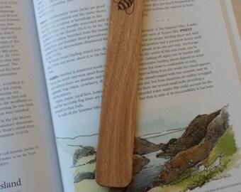 Bumble Bee Oak Bookmark