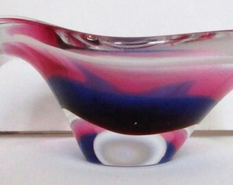 1962 Flygsfors Coquille Kedelv Art Glass Bowl Mid-Century Modern Signed Modernist Dish