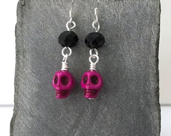 Fuschia sugar skull earrings / Dia de los Muertos earrings / Day of the Dead earrings / fuschia Halloween earrings / fuschia earrings
