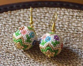 Beaded bead earrings, ethnic earrings, flower earrings, seed bead earrings, beadwork jewelry, dangle earrings, Boho style, gift for her