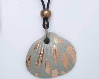 Necklace concrete shell & copper - gift -.