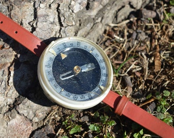 Vintage compass Military Compass Wrist Compass Old Soviet Compass Working compass Vintage Russian USSR collectible Soviet Compass