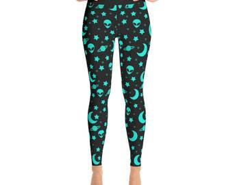Alien Leggings - Outer Space Leggings, Blue and Black Night Sky Yoga Pants, Alien Heads Printed Tights, Star Leggings