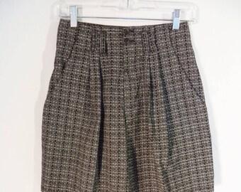 SALE 80s pleated high waist shorts// Vintage A. Byer California made USA// Black white Bermuda cotton plaid// Women small 4 5 6 26W