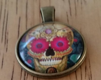 1 - Bronze - Glass Cabochon - Pendant - Necklace - Skull wearing Pink Sunglasses - The Size is 36mm x 28mm