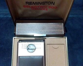 Vintage Remington Selectric 300 Deluxe Razor, Made in France Remington 300 Selectric Deluxe Men's Shaving Razor, Remington Selectic 300