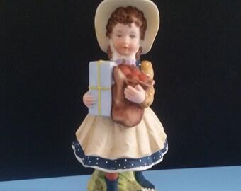 Holly Hobbie Bisque Figurine HHF-1