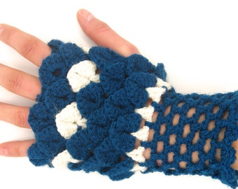 Crocodile stitch mittens wool bicolor / bicolor mittens wool stitch Dragon, made hand, blue and white mitten, fingerless glove