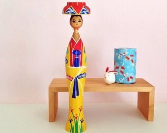 Ryukyu princess kokeshi doll from Okinawa, vintage / Handmade and handpainted by disabled people in Okinawa / Colorful kokeshi doll vintage