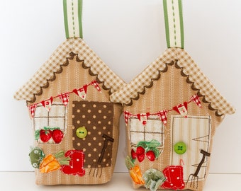 Fabric Shed Hanging Decoration, Stuffed Hanging House, Door Hanger, Gift for Her, Gift for Him, Gifts for Gardeners, Mother's Day Gift