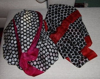 Silk stole, silk scarf with dots.