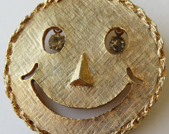 Vintage 1970's Smiley Face Brooch Vintage Costume Jewelry Happy Face Pin