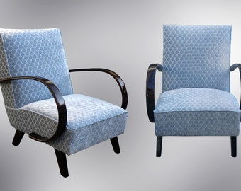 Beautiful completely restored and reupholstered chairs design by Jindrich Halabala in 1930