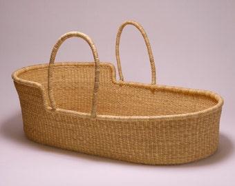 Bolga Moses Basket Natural With Natural Handles (BAS522)