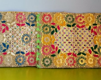 Lot of two placemats woven wicker and embroidered with floral designs - handmade