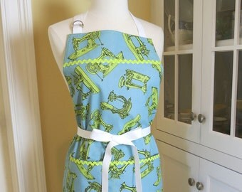 Blue and Green, Vintage Sewing Machine Apron, USA Made Apron, Womens Apron, Cute Apron, Vintage Apron, Featherweight Sewing Machine