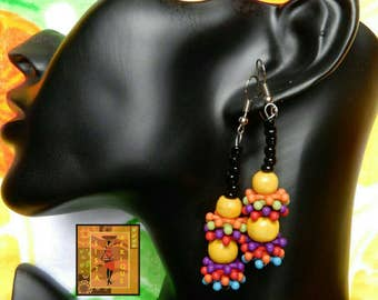 Yellow wood and bead multicolor earrings