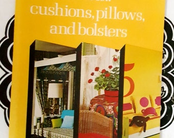 1974 Singer How to Sew Cushions, Pillows, and Bolsters 32 Page Booklet ReTrO GrOOvy!