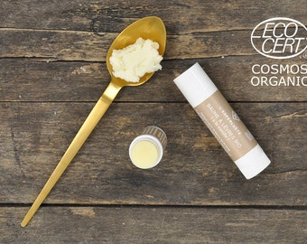 Organic lip balm with vanilla
