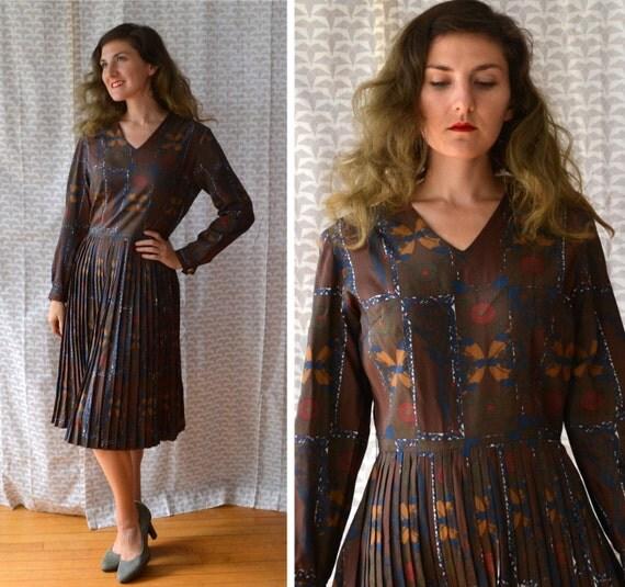 Museum Dress   50's novelty print day dress