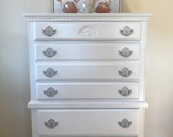 Elegant White 5-Drawer Chest