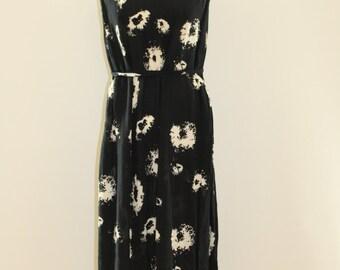 Blotch Tie Up Dress (Black/White)