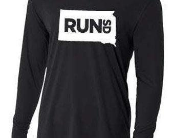 Men's Run South Dakota Long Sleeve Shirt
