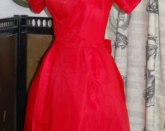 Vintage red satin ballgown / dress  10