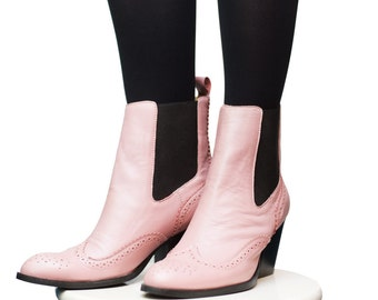 Boots - Women's Shoes - Booties & Ankle Boots - Ankle boots - Chelsea boots - Pink ankle boots - Leather boots - Womens boots