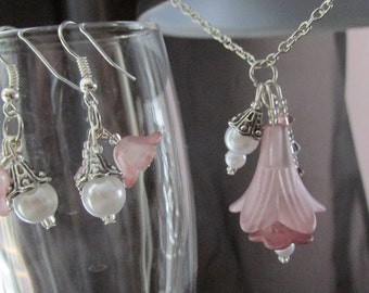 Lucite Flower Earrings and Necklace - Pink