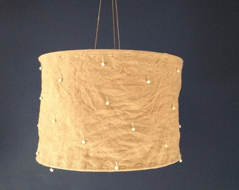 Hanging linen and buttons