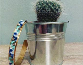 Cuff in brass and miyuki beads