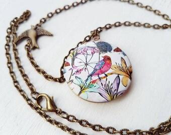 Bird Locket necklace. Bird necklace. Embossed locket necklace pendant Vintage bird chain necklace bird jewellery bird accessories birds gift