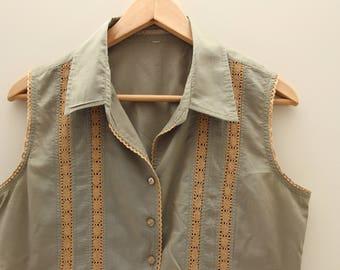Shirt khaki green sleeveless with vertical stripes crochetees vintage beige size medium