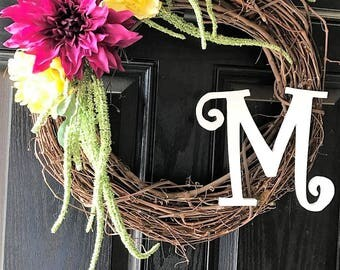 Customizable bright spring wreath