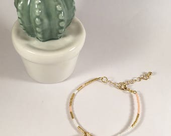 Bracelet cauri is happiness and pink and Golden miyuki beads