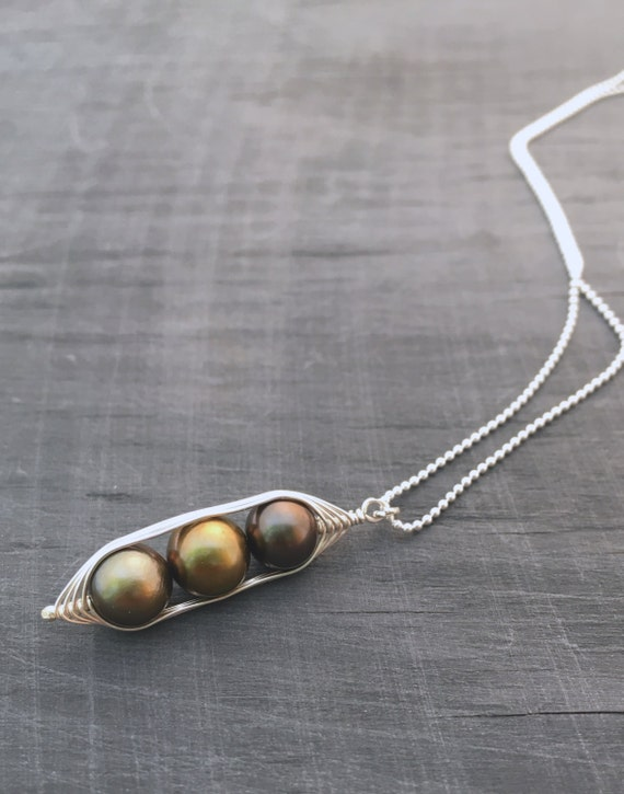 Pea pod necklace //  Three peas in a pod with bronze forest green pearls Peapod jewelry, gift for sister, best friend // great gift for mom