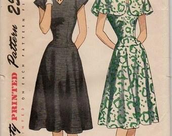 Simplicity 2085 Misses 40s Dress & Cape Vintage Sewing Pattern Size 14 Bust 32 Uncut Keyhole Neckline