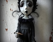 Loopyboopy Gothic Ghost Art Doll Ornament Creepy Dark Zombie Christmas Caroler
