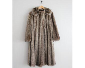 racoon fur coat   long fur coat   1970s fur coat
