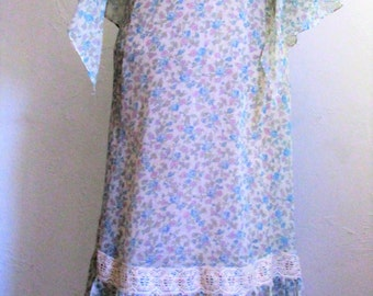Vintage 1970's Maxi Dress Prairie Style Neo Victorian Lace & Flower Print 2-Piece Ensemble Long Dress with Shawl Small Size