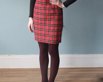 red plaid skirt | plaid fitted high waisted skirt | 1990s small