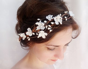 bridal headpiece, white flower crown, flower crown wedding, bridal headband pearls, bridal head piece, wedding hair piece, floral headpiece