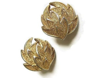 Crown Trifari Flower Earrings Vintage Mid-Century Etched & Smooth