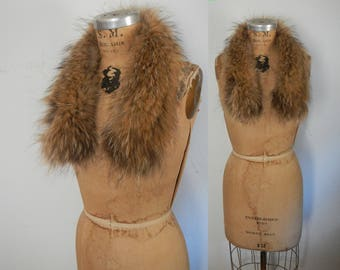 Raccoon Fur Collar / genuine feathered fur