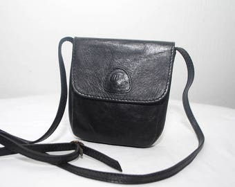 70s 80s small black leather satchel. small leather bag. crossbody purse
